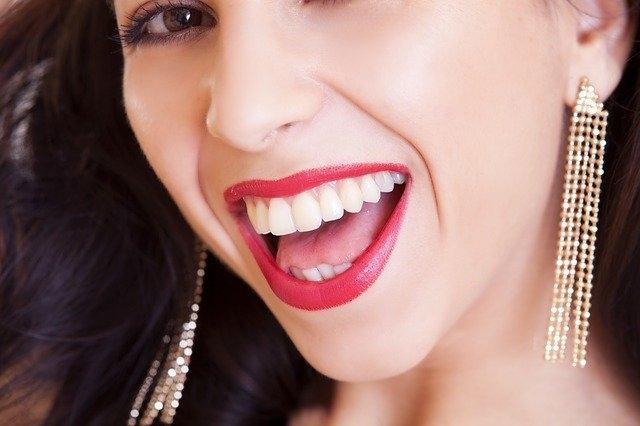 zobne luske nasmeh
